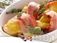 Запечени картофи с бекон, лук, кашкавал и мащерка на фурна